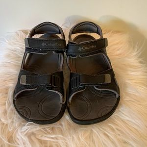columbia. adorable. sturdy. sandals